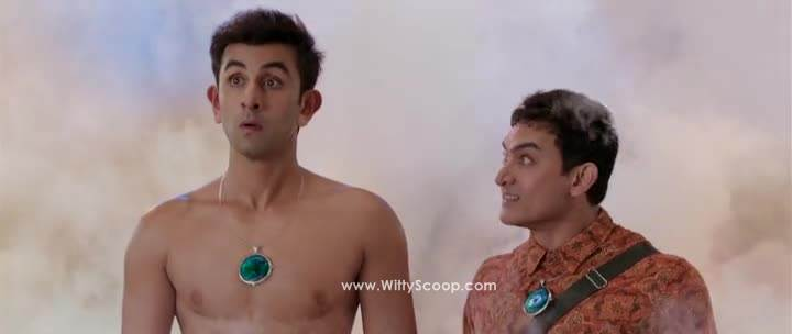 ranbir kapoor and aamir khan in pk (1)