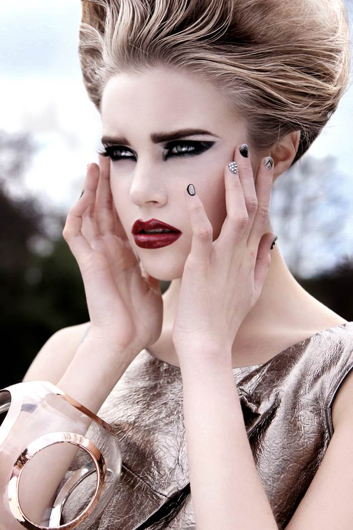 The Fashion Makeup That Makes You Feel Confident!