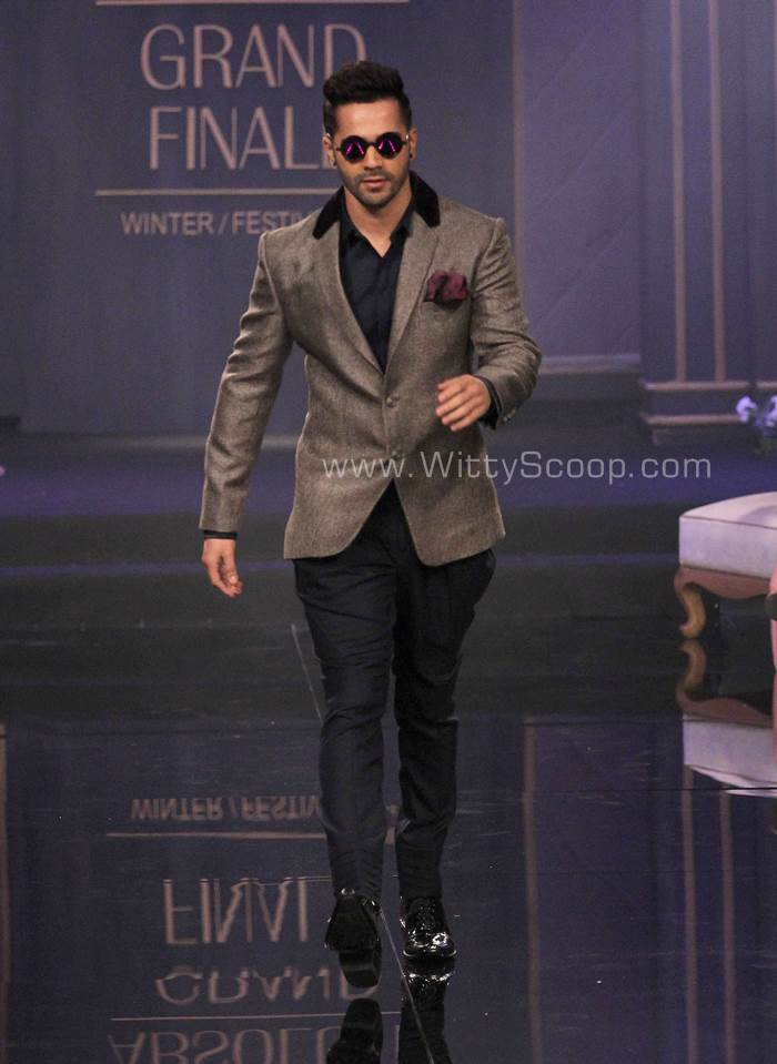 Revolutionize Your Wardrobe With Men Accessories varun dhawan