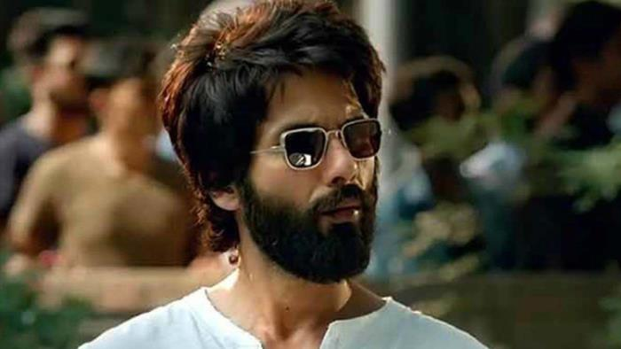 The Stylish Handsome Hunk – Shahid Kapoor