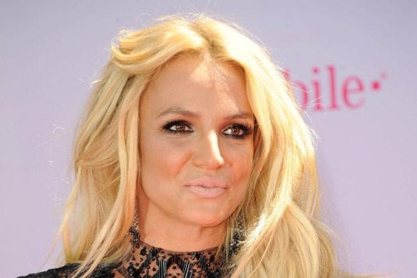 Britney Spears' Former Makeup Artist Says He's 'Concerned' for the Pop Star