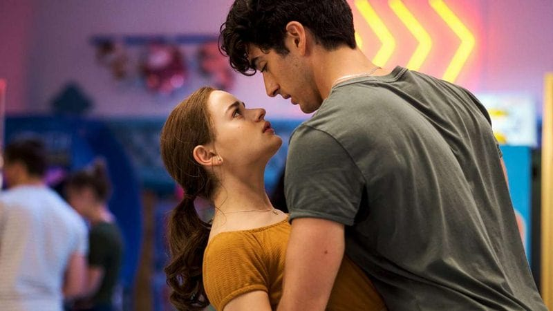 Kissing Booth: Joey King's Real Life Love Triangle