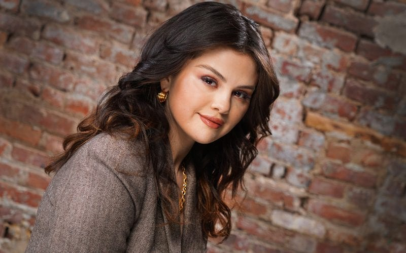 Selena Gomez Talks About Spanish 'Revelación'