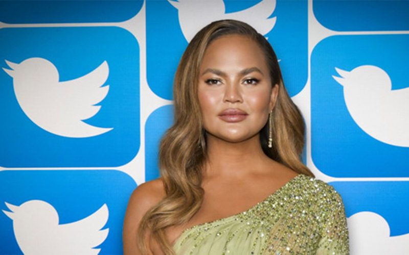 Chrissy Teigen Returns to Twitter