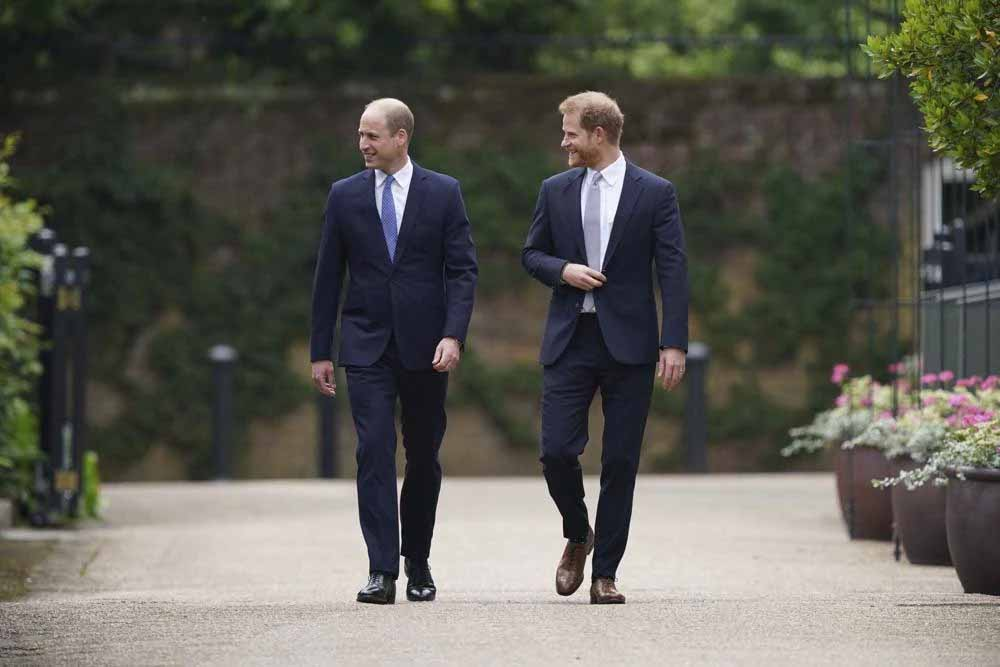 Princess Diana statue Prince Harry and William