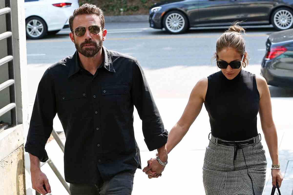Ben Affleck, Jennifer Lopez Spotted Holding Hands At Westfield Century City Mall